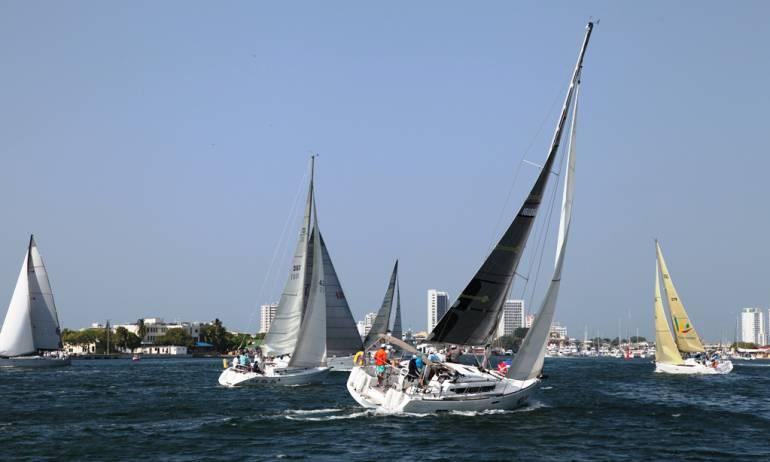 Club de Pesca realizó regata en la bahía de Cartagena: Club de Pesca realizó regata en la bahía de Cartagena