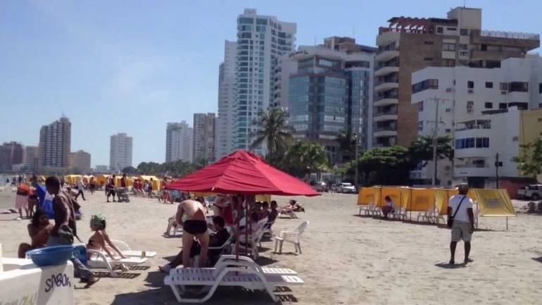 Informales del turismo en Cartagena protestarán contra protección costera
