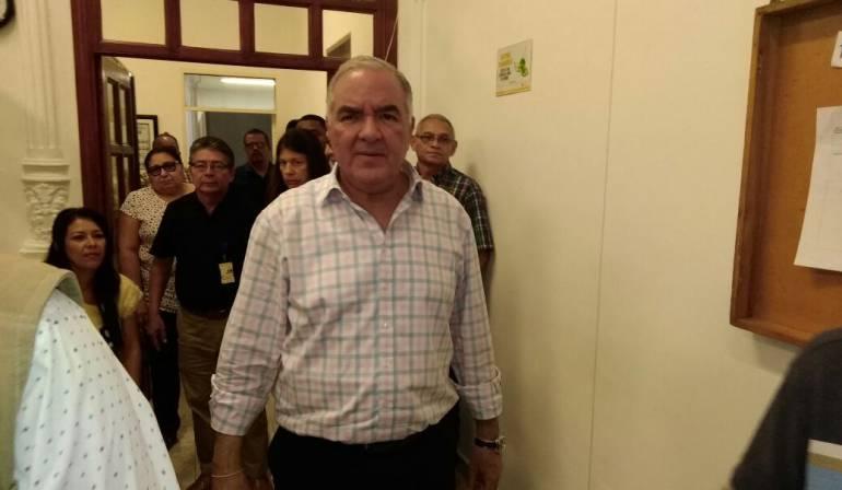 Edgardo Maya Villazón, contralor