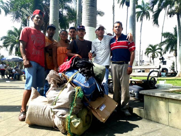 VENEZOLANOS, PASAPORTE, VISA: En Venezuela no hay pasaportes