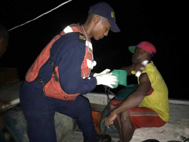 Naufragio en aguas del pacífico: Rescatados cuatro pescadores que llevan dos días a la deriva en Pacífico