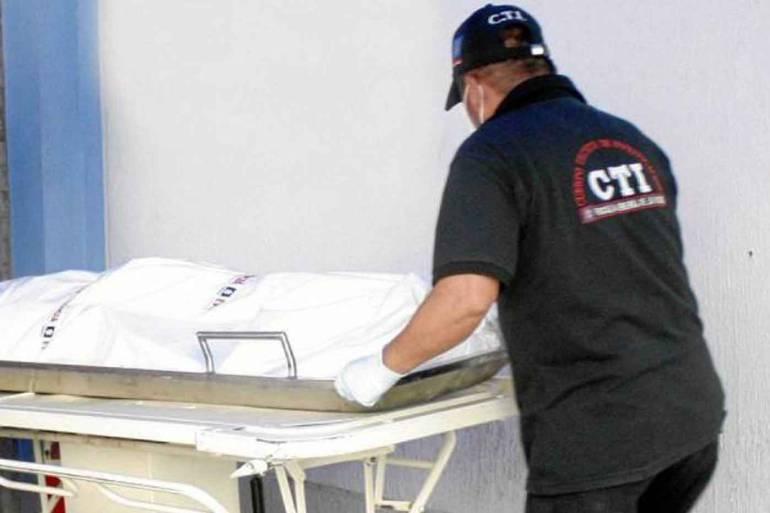 Muere en Cartagena un joven que pretendía robar un furgón de alimentos