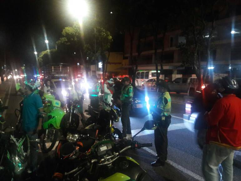 MOVILIDAD, TRANSITO, PIQUES: Los piques de motociclistas en Bucaramanga no dan tregua