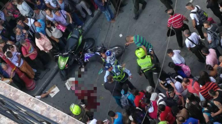 En plena carrera 22 del Centro de Manizales ocurrió el accidente que originó la muerte de la octava víctima de accidentes de tránsito en Manizales.