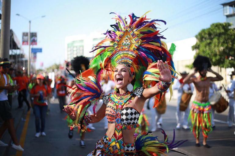 La reina Valeria Abuchaibe durante la Gran Parada de Tradición.