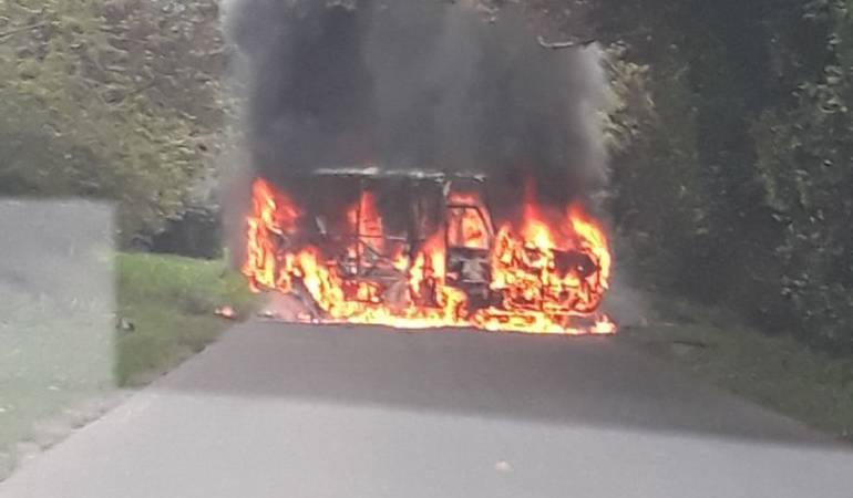 Paro armado: Alias Estacio del ELN lideró quema de camiones en vía a Buenaventura