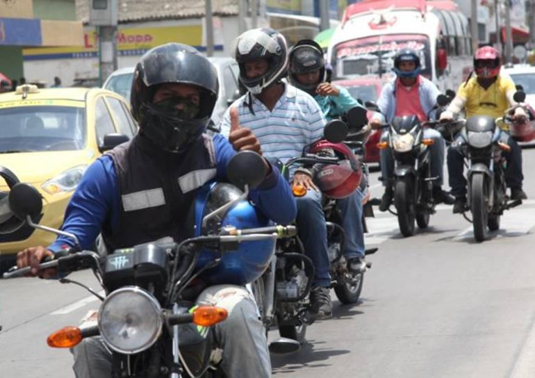 Mototaxistas rechazan robo a periodista de Caracol Radio en Cartagena: Mototaxistas rechazan robo a periodista de Caracol Radio en Cartagena