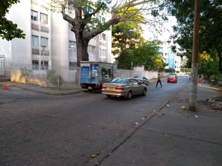 En barrio Manga de Cartagena violan la prohibición del parrillero en moto: En barrio Manga de Cartagena violan la prohibición del parrillero en moto