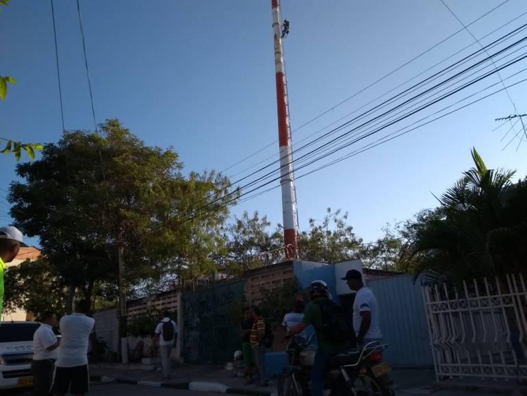 Comunidad logra el retiro de una antena de comunicaciones en Cartagena: Comunidad logra el retiro de una antena de comunicaciones en Cartagena