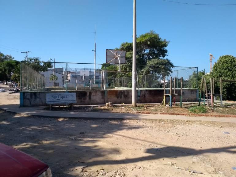 Comunidad en Cartagena demolerá una cancha ocupada por vándalos: Comunidad en Cartagena demolerá una cancha ocupada por vándalos