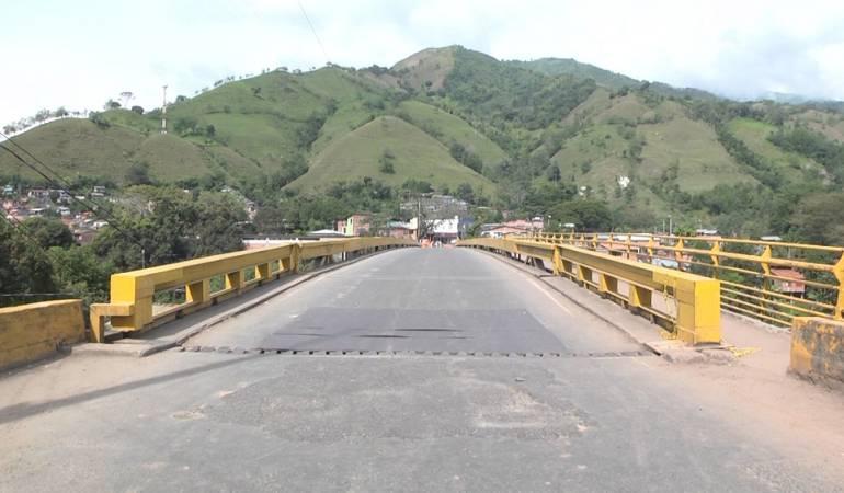 Puente de Irra entre Manizales y Medellín