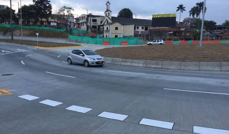 En julio se entregará la construcción de la vía paralela a la 30 de agosto