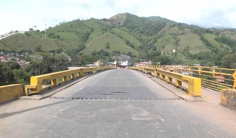 Puente de Irra, Demora en las obras: Dos semanas más se demorarán las obras del puente de Irra por paro del Eln