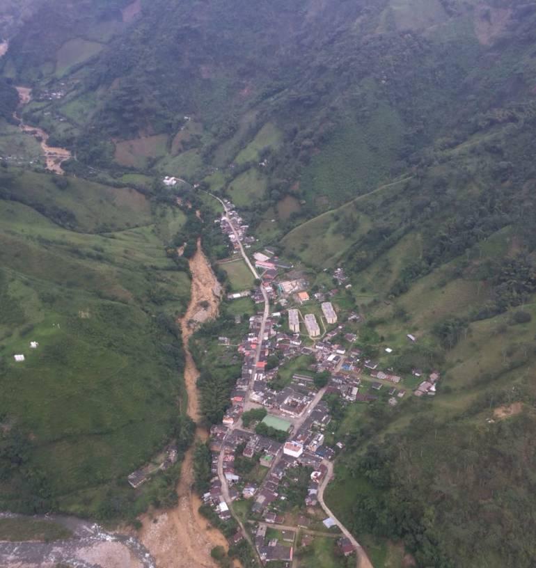 Reanudan tareas de atención en avalancha de Puerto Venus | Medellín ...