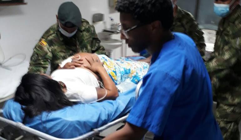 Ejercito auxilia a mujer embarazada en choco: Ejército brinda ayuda a indígena embarazada