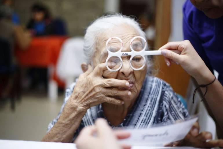 600 adultos mayores de Bolívar beneficiados con entregas de gafas: 600 adultos mayores de Bolívar beneficiados con entregas de gafas