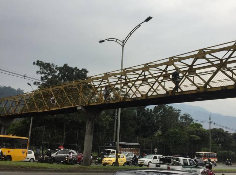 Alcaldía, Medellín, inicia, mantenimientos, puentes, peatonales ...