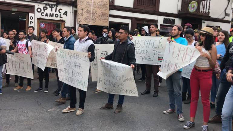 Centro de Tunja, campo de batalla entre seguidores y detractores de Uribe: Centro de Tunja, campo de batalla entre seguidores y detractores de Uribe