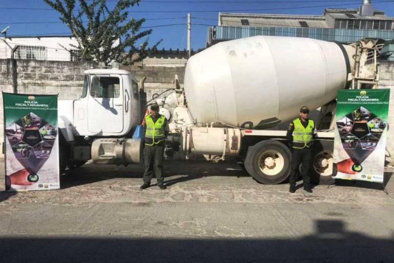 Aprehenden automotores de contrabando de 180 millones de pesos en Cartagena: Aprehenden automotores de contrabando de $180 millones en Cartagena
