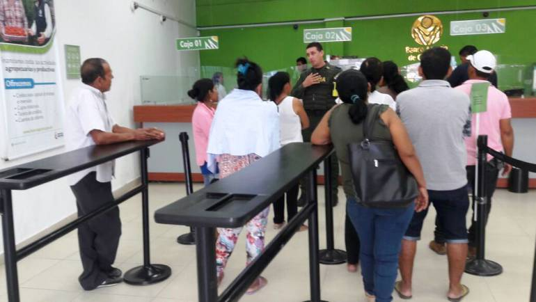 La policía implementa campañas contra el fleteo en el sur de Bolívar: La policía implementa campañas contra el fleteo en el sur de Bolívar