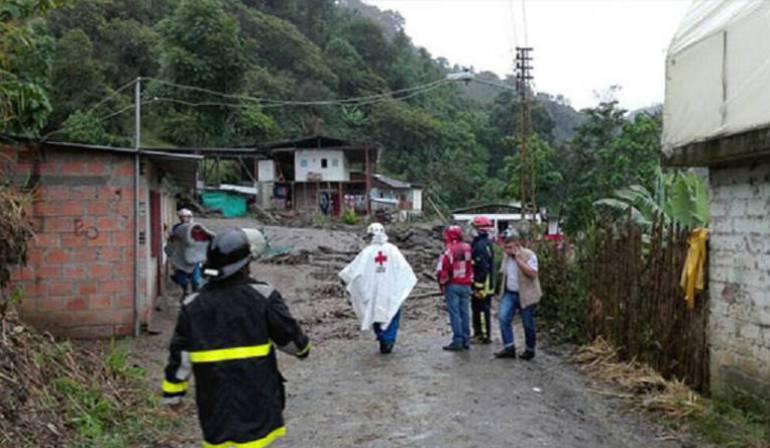 Evacúan 800 familias por creciente de río en Corinto, Cauca