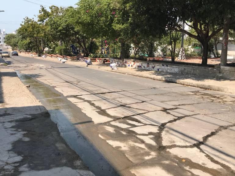 25 años con una fuga de agua en el barrio Los Alpes de Cartagena: 25 años con una fuga de agua en el barrio Los Alpes de Cartagena