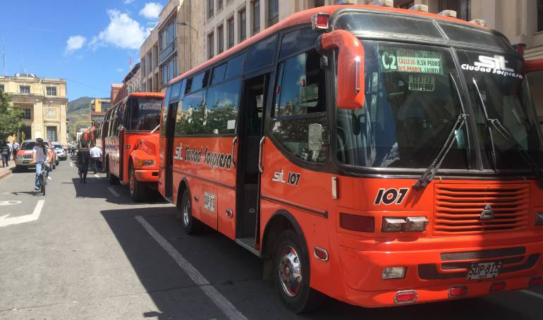 Defesoria llama la atención por paro de buses en Pasto