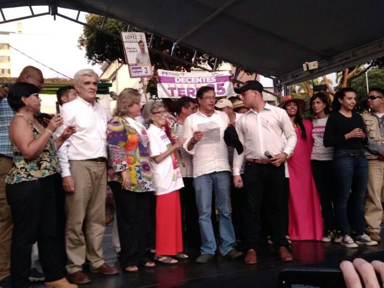 AMENAZAS, MUERTE, PANFLETOS: Campaña de Petro, en Santander reporta tres amenazas contra el candidato