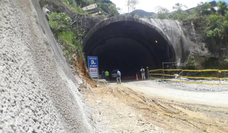 Túnel de La Línea: Primeros 4 Km. del túnel de la Línea se empezarán a usar a mitad de año