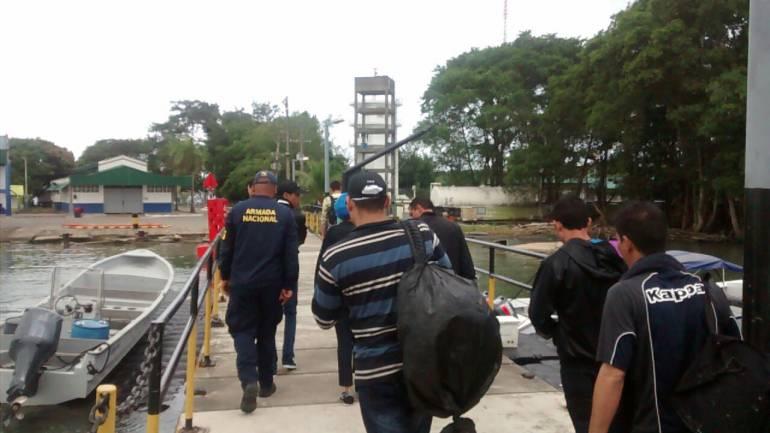 Capturan a tres personas que llevaban 35 migrantes irregulares hacia Panamá