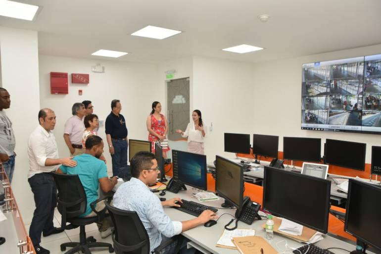 Misión peruana visitó Cartagena para conocer el modelo de Transcaribe