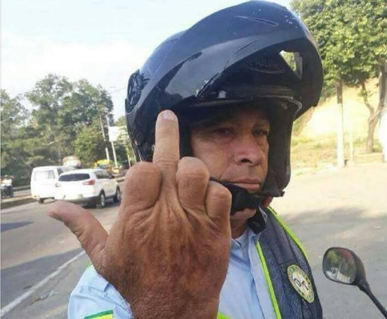IMAGEN, COMANDANTE, TRANSITO: Así respondió el comandante operativo de tránsito ante un reclamo