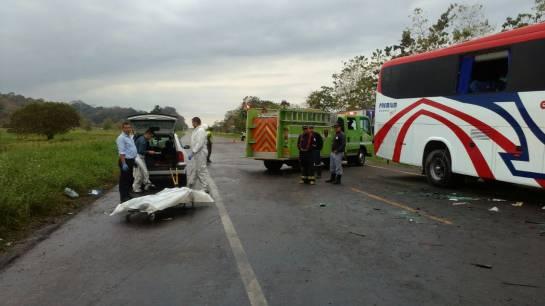 Un muerto y 6 heridos en accidente en vía Puerto Boyacá-Cartagena: Un muerto y 6 heridos en accidente en vía Puerto Boyacá-Cartagena