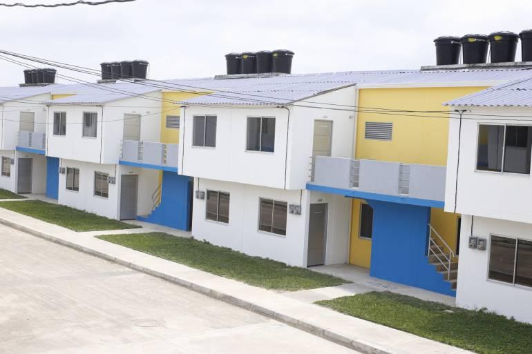 Entregan casas a familias damnificadas del sur de Bolívar: Entregan casas a familias damnificadas del sur de Bolívar