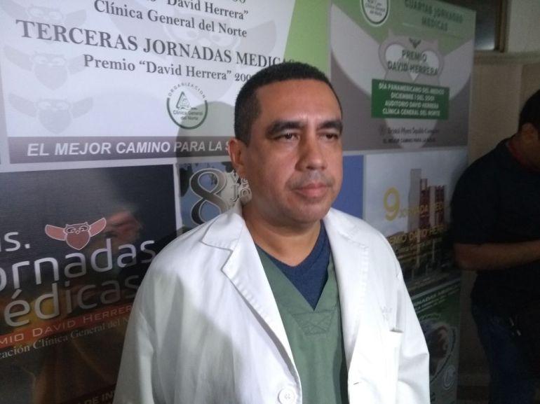 El médico Manuel Rojano, coordinador de la Unidad de Cuidados Intensivos de la clínica General del Norte.