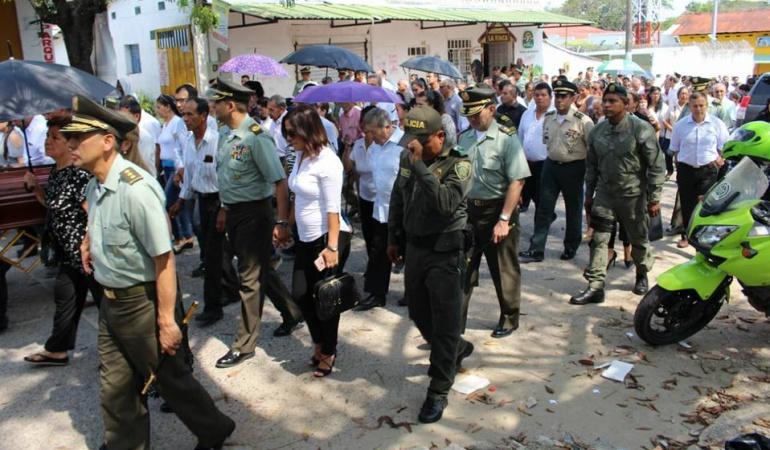 Se cumplieron exequias de la madre del subdirector de Policía en Guamo