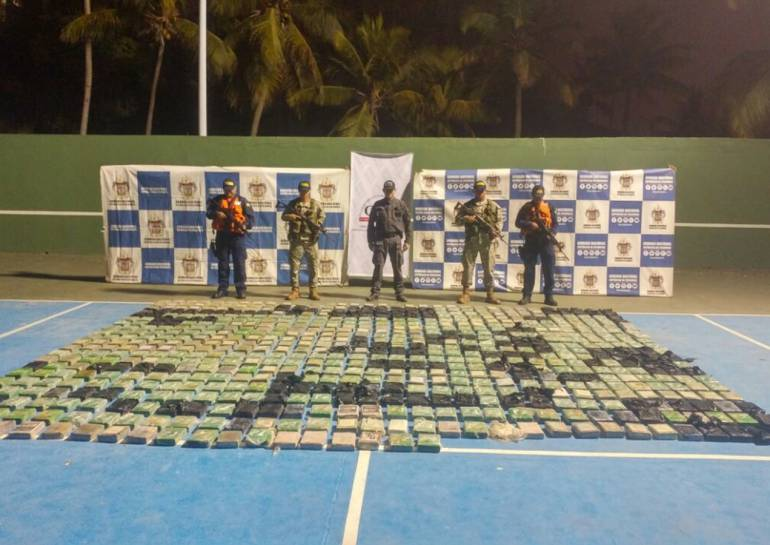 Incautan 700 kilos de cocaína en la Isla de Tierrabomba, Cartagena: Incautan 700 kilos de cocaína en la Isla de Tierrabomba, Cartagena