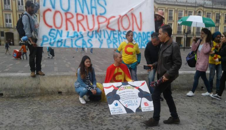 Estudiantes de la Uniautónoma piden al Congreso una reforma a la educación