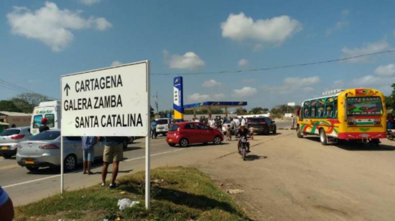 En Galerazamba, Bolívar, bloquearon la vía al Mar exigiendo acueducto