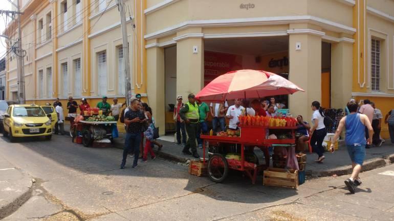 Reubican vendedores informales en el Centro Histórico de Cartagena