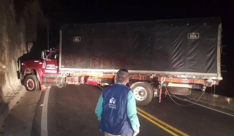 Bloqueos en Norte de Santander por enfrentamientos entre Pelusos y Eln