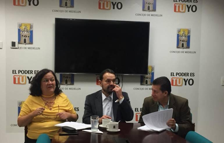 Ciudadanos, UNE, irregularidades: Ciudadanos denuncian supuesta irregularidad en reforma de estatuto de UNE
