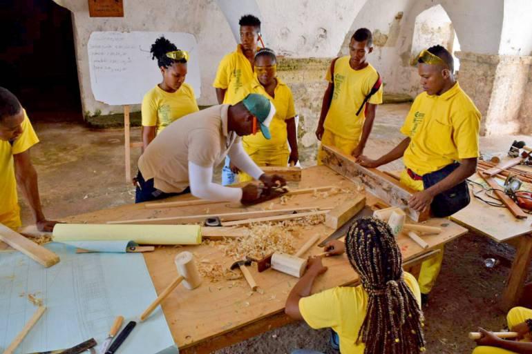 Escuela Taller Cartagena de Indias llevó oferta a Bocachica: Escuela Taller Cartagena de Indias llevó oferta a Bocachica