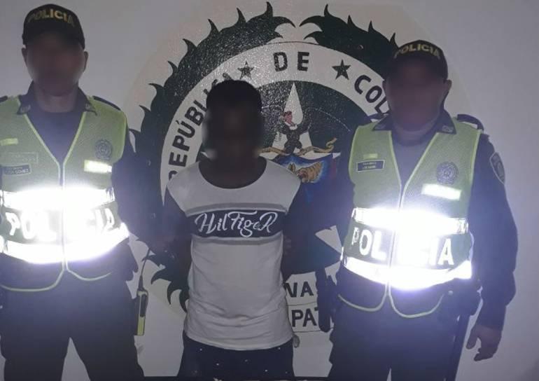 Capturan tres adultos y un adolescente armados en Cartagena: Capturan tres adultos y un adolescente armados en Cartagena