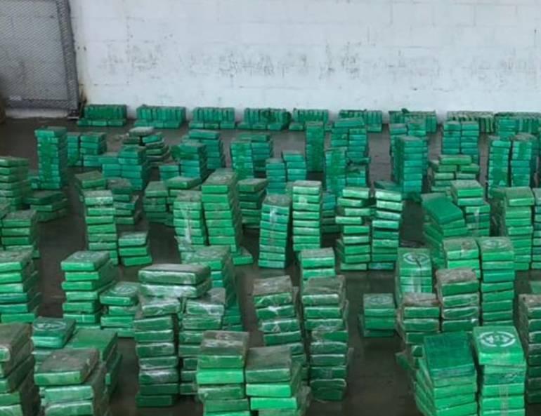 Decomisan dos toneladas de cocaína en puerto de Santa Marta