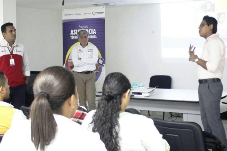 Ofrecen alternativas de legalización a vendedores informales de Cartagena: Ofrecen alternativas de legalización a vendedores informales de Cartagena