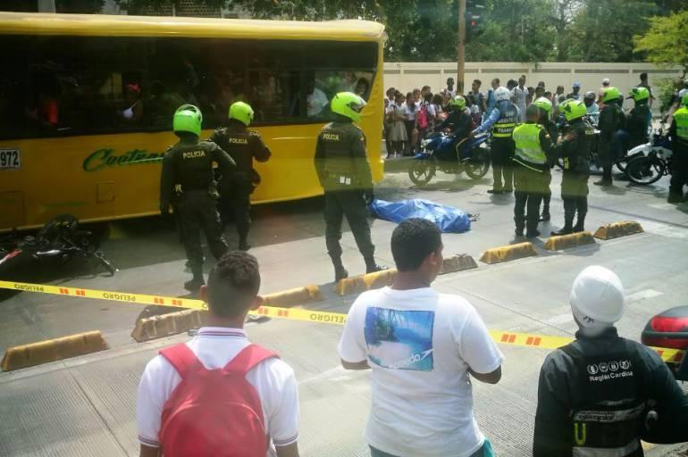 Imprudencia llevó a la muerte a motociclista en carril de Transcaribe: Imprudencia llevó a la muerte a motociclista en carril de Transcaribe
