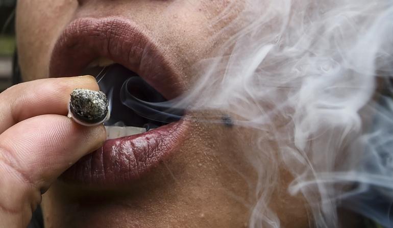 Drogas en colegios: Universitarios aún creen que no corren riesgos al consumir drogas