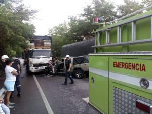 Accidente en vía Puerto Boyacá-Bogotá deja a conductor gravemente herido: Accidente en vía Puerto Boyacá-Bogotá deja a conductor gravemente herido