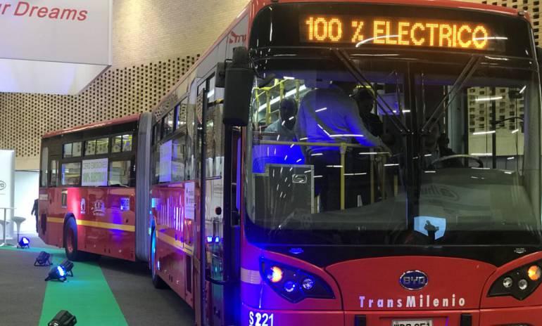 Transmilenio: Implementar buses eléctricos causaría subir tarifas de transporte: Peñalosa